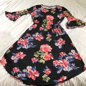Reb and J floral Dress size Large